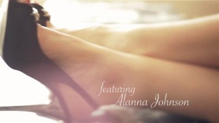 Toronto private companion Alanna Johnson